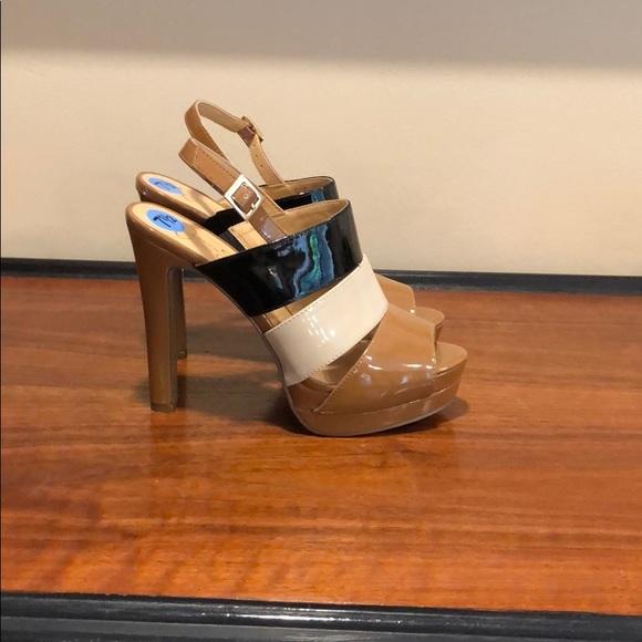 Jessica Simpson Platform Heel - Size 7.5